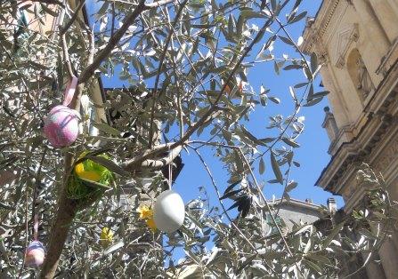 egg tree2