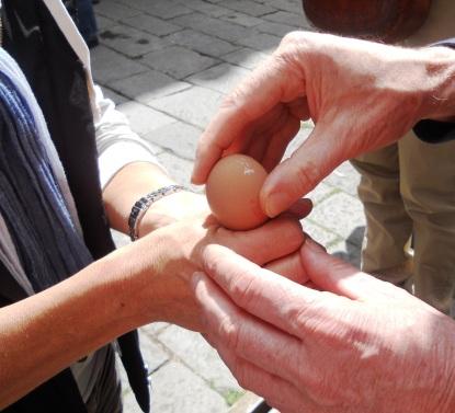 hands & eggs1